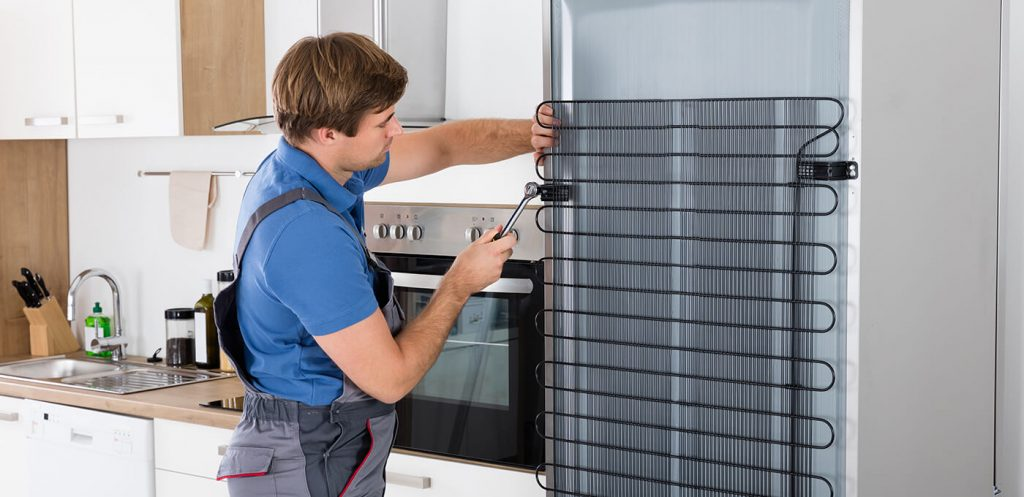 When to Call An Expert For Refrigerator Repair